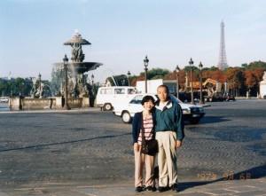 早朝のコンコルド広場で