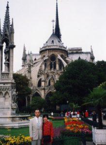 在りし日のノートルダム寺院